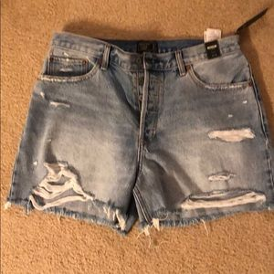 Abercrombie high-rise mid shorts. Size 31